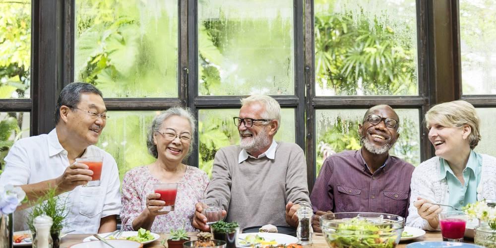 ¿Cómo mantener una vida social activa en la tercera edad?