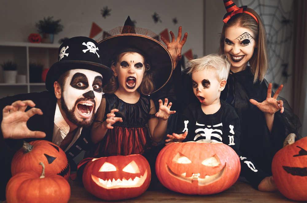 Disfrazarse en familia, una opción divertida para fiestas y Carnaval