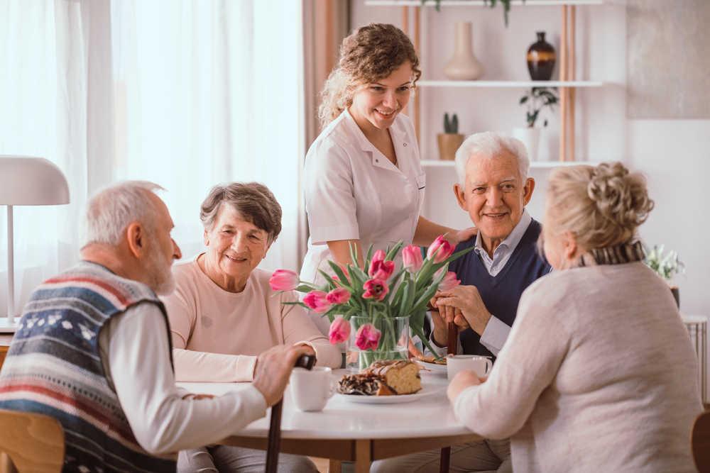 Beneficios de vivir en una residencia para ancianos
